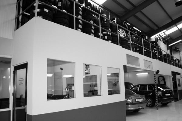 MyTyre - Werkplaats en kantoor Eindhoven
